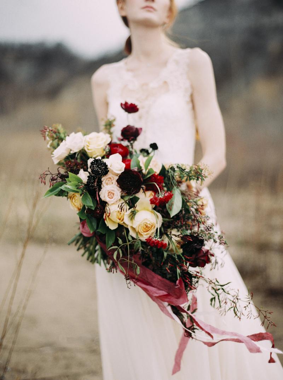 artur-zaitsev-photography-toronto-editorial-videographer-scarborough-bluffs-wedding-intimate-wedding-toronto-engagement-16