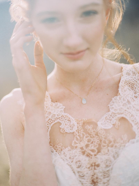 artur-zaitsev-photography-toronto-editorial-videographer-scarborough-bluffs-wedding-intimate-wedding-toronto-engagement-4