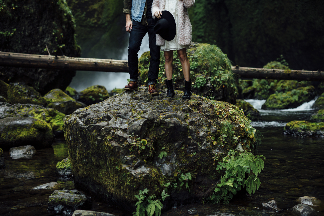 Gorge-Engagement-Oregon-Photography-Portland-Artur-Zaitsev-Wedding-Adventure-7