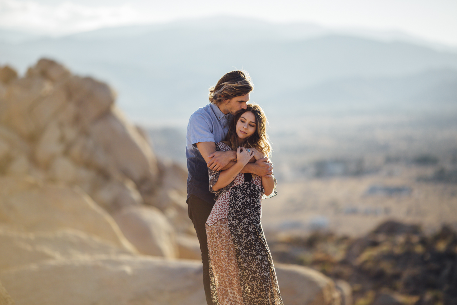 Joshua_Tree_Engagement_Couple_Wedding_California_Photography_Artur_Zaitsev-18