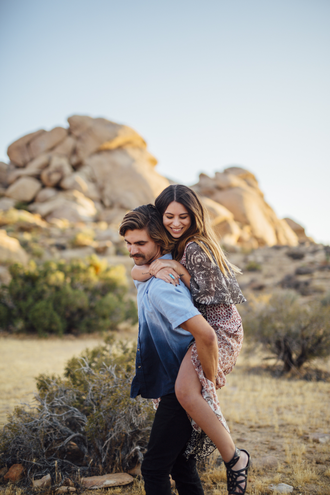 Joshua_Tree_Engagement_Couple_Wedding_California_Photography_Artur_Zaitsev-24